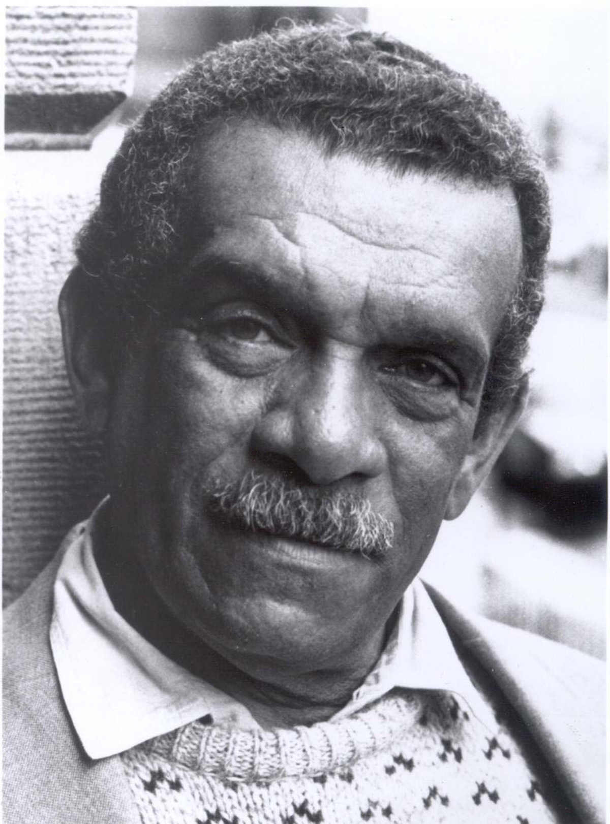 derek walcott old new england Early career walcott was born in stanmore, london, but grew up in compton, berkshirehe attended compton church of england primary school and the downs school, playing football for the local village team and later for newbury.