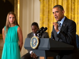 President Obama hosts the Healthy Kids and Safe Sports Concussion Summit at which it was annouced that the NCAA and the Department of Defense are collaborating on comprehensive concussion study. (Photo courtesy of White House)